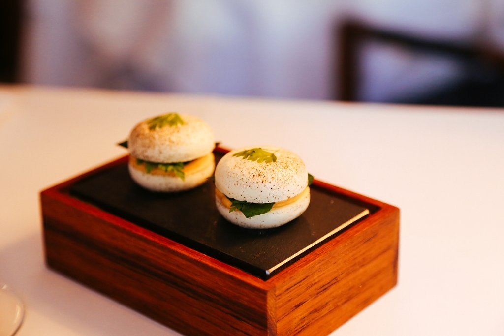 Macaron with liver créme