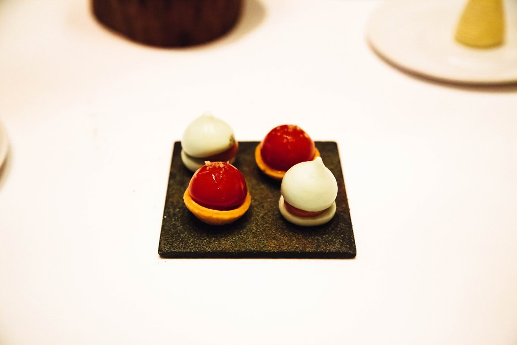 Fennel macaron with tomato puree and Bloody Mary tart