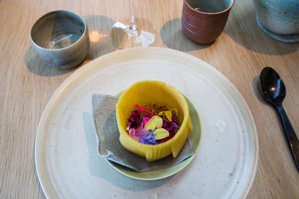 Wax broth with pollen